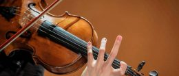Comment tenir un violon ?